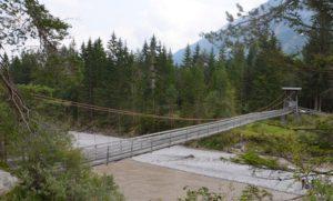 Hängebrücke Sommer